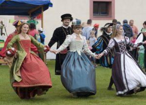 Tancem i mečem  – Bratři z růže a taneční skupina Campanello